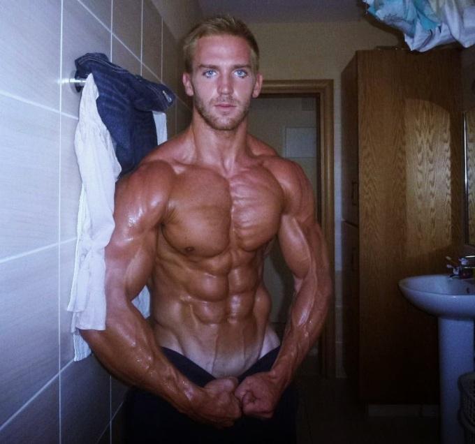 Adam Charlton 2 (19)