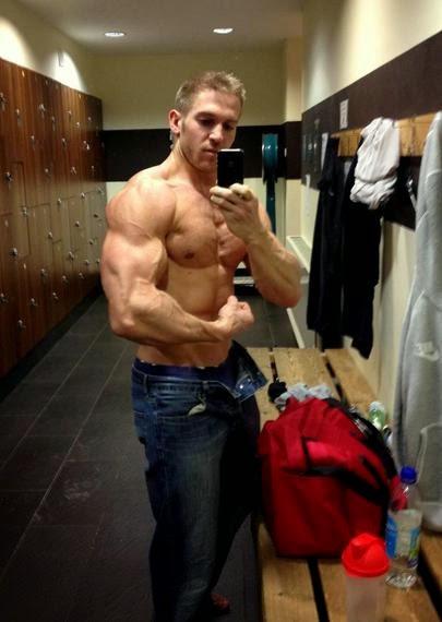 Adam Charlton 2 (4)