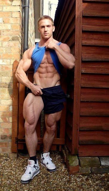 Adam Charlton l