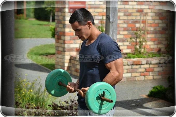 Allan Laumatia (28)