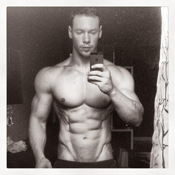 Anton Antipov (22)