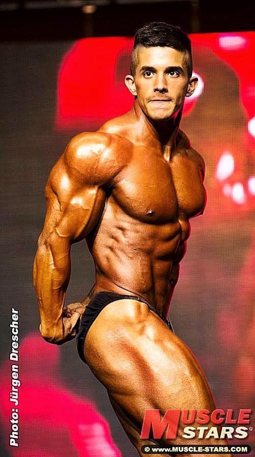 Borja Saura (25)