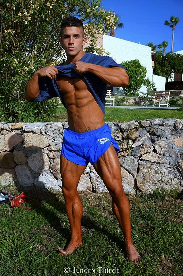 Borja Saura (32)
