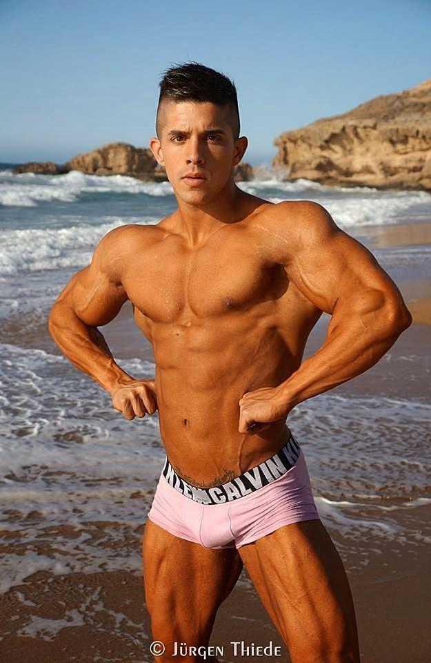 Borja Saura (34)