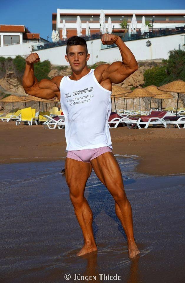 Borja Saura (35)