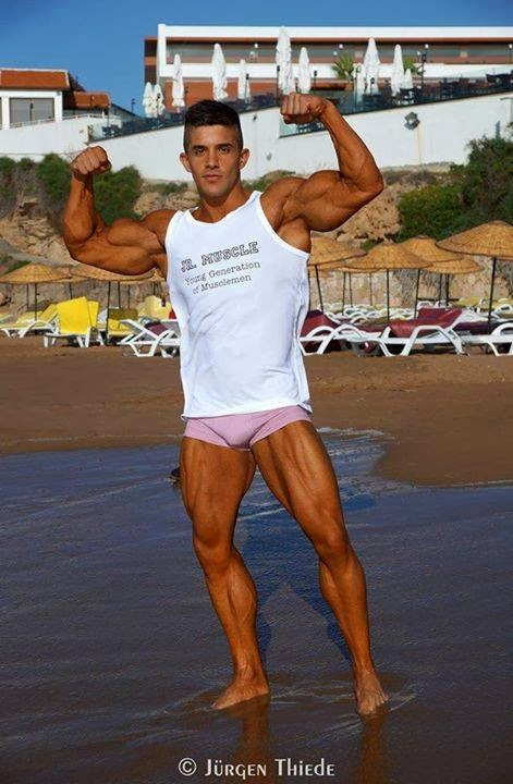 Borja Saura (47)