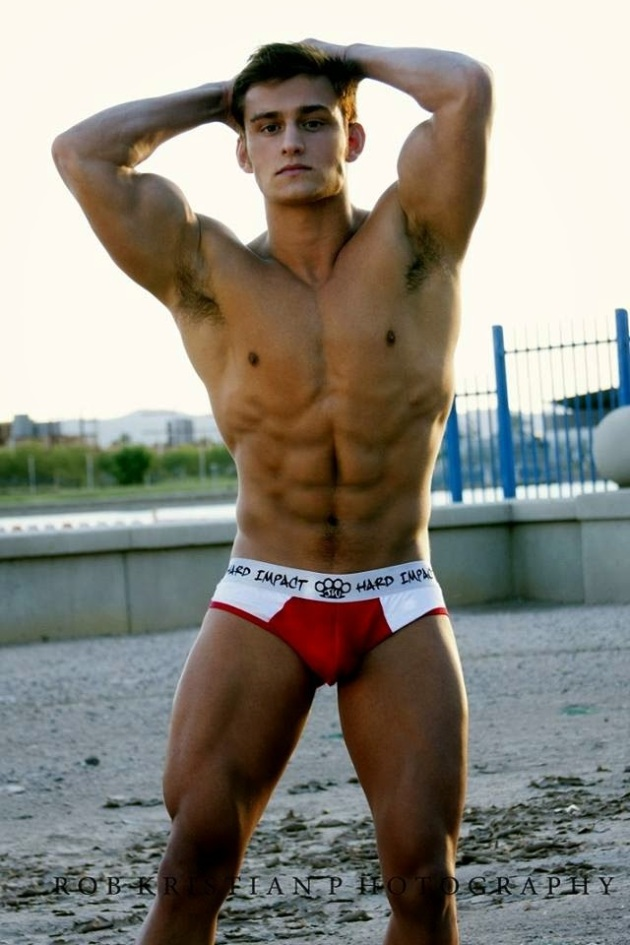 gay muscle seduction
