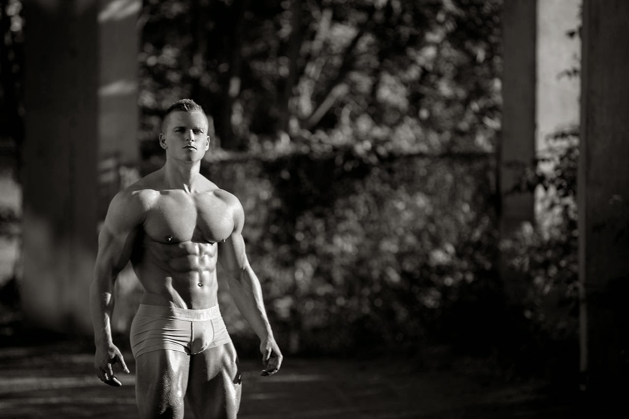 sameul dixon shredded male aesthetic physiques