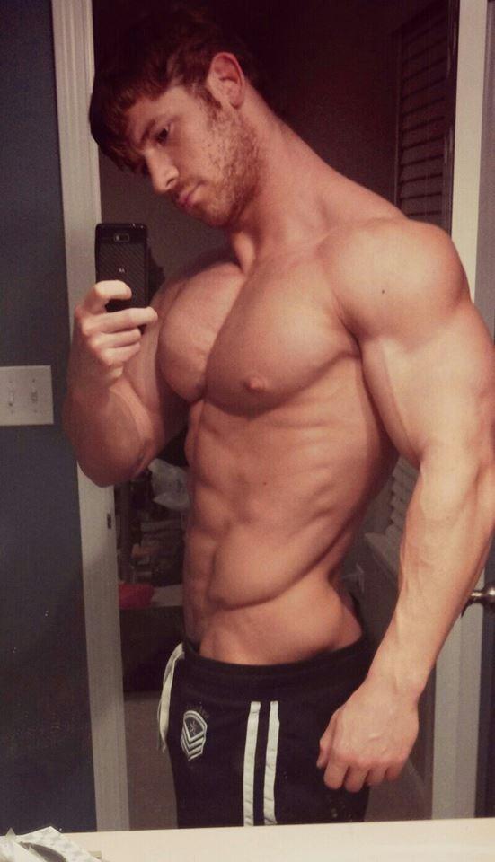selfie muscular