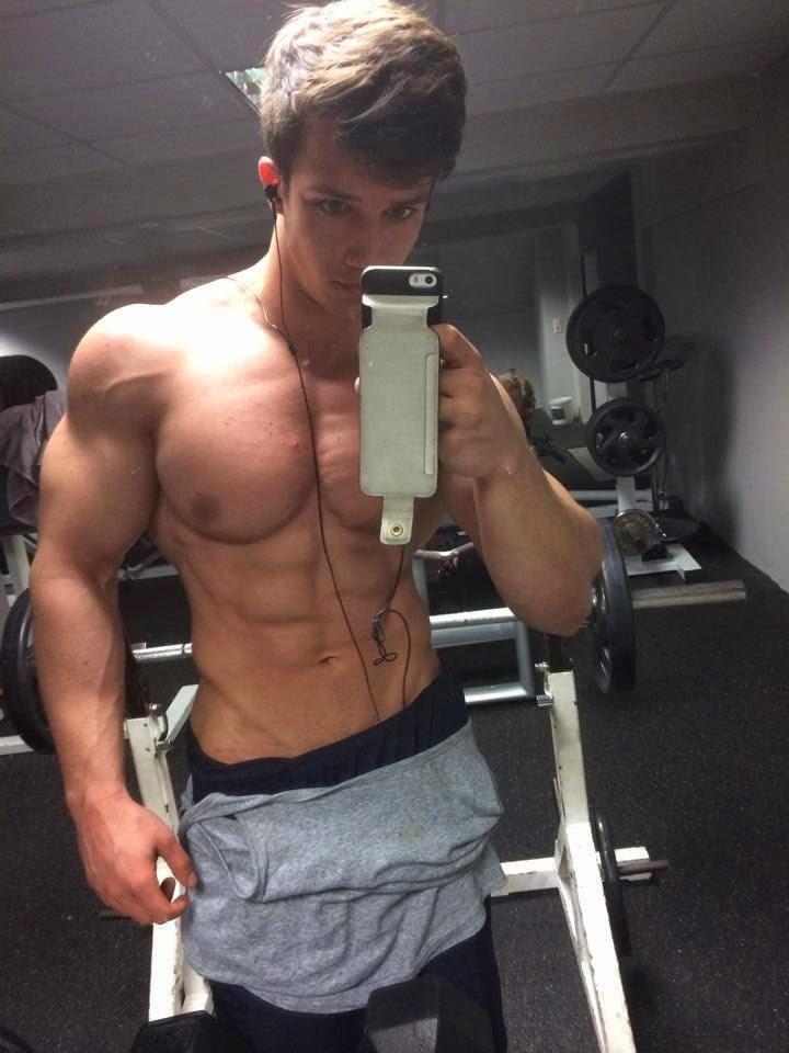 Tim Gabel   SHREDDED male AESTHETIC physiques