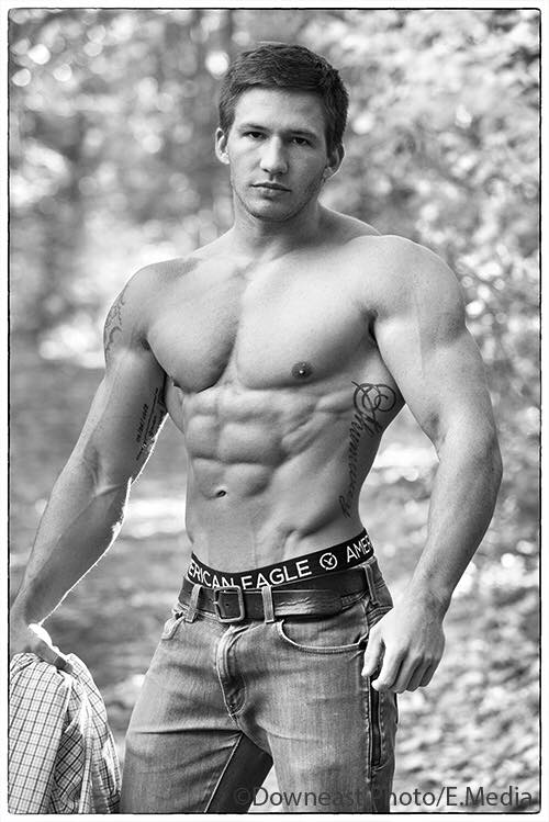 aaron shumway shredded male aesthetic physiques
